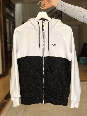adidas tr 15 в Кыргызстан: Толстовка утеплённая Adidas (оригинал) Размер: 40 европейский  Отлично