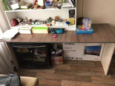 Продаю офисный стол, размер 180x60x70 в отличном состоянии, без сколов