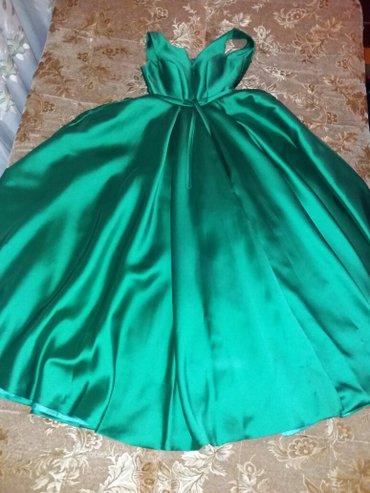 платье в пол на выпускной в Кыргызстан: Продам или сдам в прокат вечернее платье в пол, насыщенного изумрудног