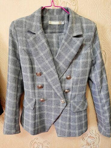 Продаю женский приталенный классический костюм брюки тоже есть . Состо