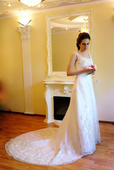 Продаю свадебное платье , размер 42-44 в Бишкек