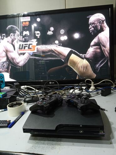 сколько стоит playstation 4 in Кыргызстан | PS3 (SONY PLAYSTATION 3): Игровая приставка playstation 3 в хорошем состоянии прошитая игры