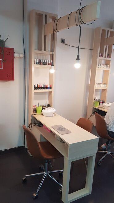 Radnik - Srbija: Sto za nokte sa stolicom za radnika i foteljom za musteriju, predvidje