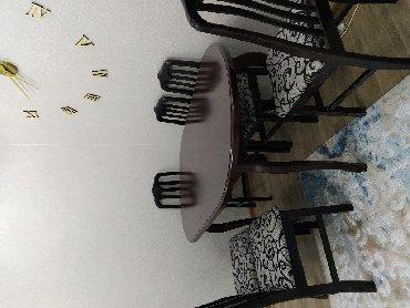 Sumqayıt şəhərində Acilan boyuk stol,6 eded stul,bir eded jurnal masasi.Normal