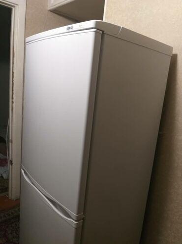 142 объявлений   ЭЛЕКТРОНИКА: Срочно продаю холодильник в хорошем состоянии за 11000 сом. Мини торг