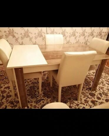 Masa desti 270 azn.Masanin qasiq qoymaga yerleri var.Masa