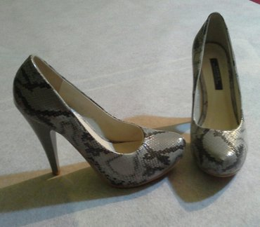 Туфли из искусственной кожи под змею, р. 38 в Бишкек