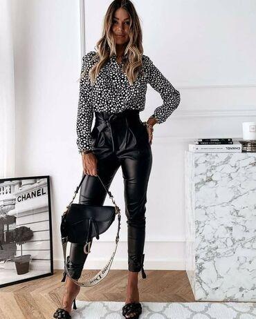 Crne pantalone - Srbija: Na prodaju kožne pantalone! Veličina je univerzalna - odgovara do XL
