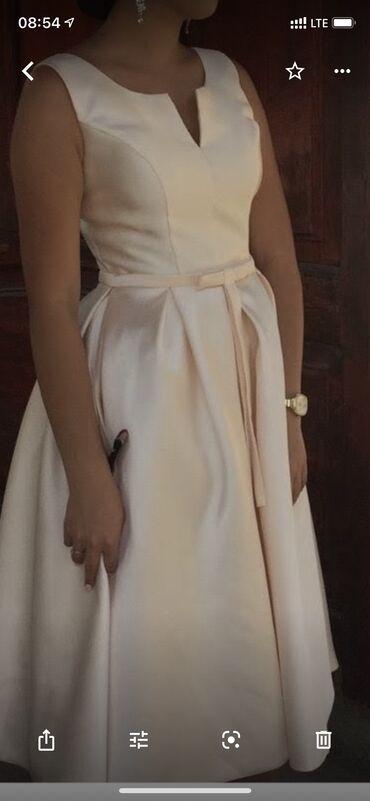 Платья - Вечернее - Бишкек: Продаю платьеЦвет:АйвориПодойдёт на С и М,так как корсет