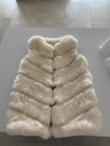 Krzneni kaputi - Paracin: Krzneni prsluk 2000 din snizenoo. vel. s.m. nije prirodno krzno ali