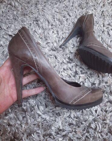 Cipele na stiklu - Srbija: Cipele na stiklu  Velicina 40  Cipele su nosene jednom, u odlicnom su
