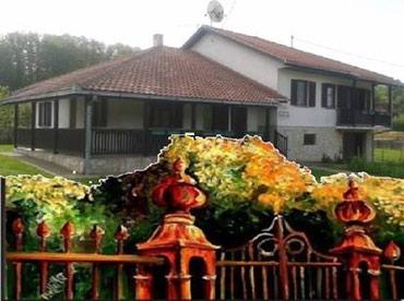 Kuća na padinama Kosmaja - U maloj i mirnoj varošici na obroncima - Sopot