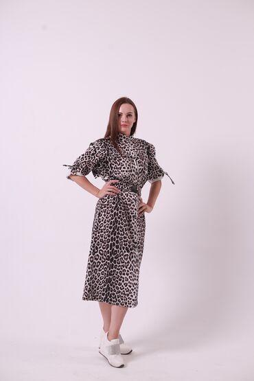 audi allroad 42 quattro в Кыргызстан: Платье-тренч с 42-50 размера, идеальная посадка