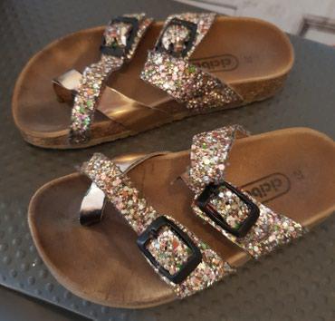 Adidas-papuce - Srbija: Prodajem Ciciban papuce za devojcice,broj 27