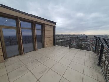 Продается квартира: 4 комнаты, 258 кв. м