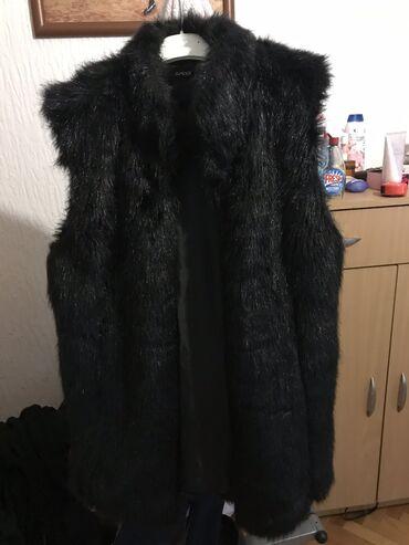 Prsluci muski - Srbija: Crn prsluk (vestacko krzno)  Nosen samo par puta,ima dzepove.  Velic