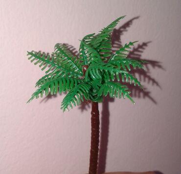 Digər kolleksiyalar Azərbaycanda: Palma ağacın kiçik modeli satılır. Kolleksionerlərə lazım ola bilər. B
