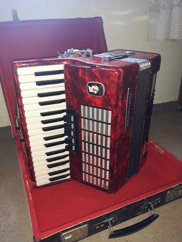 Harmonike - Srbija: Harmonika WELTMEISTER 60 basova, u odličnom stanju. Uz harmoniku ide
