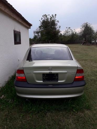 Auto delovi - Loznica: Opel vektra B delovi  Auto je presao 140000 1.8 16v 85kw