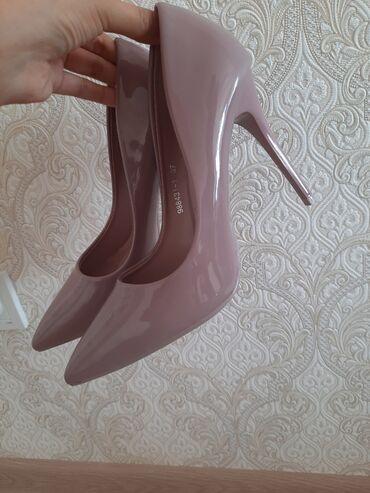 Туфли - Бишкек: Продаю новые туфли!  Ни разу не носили Размер 37 Цвет:как на фото