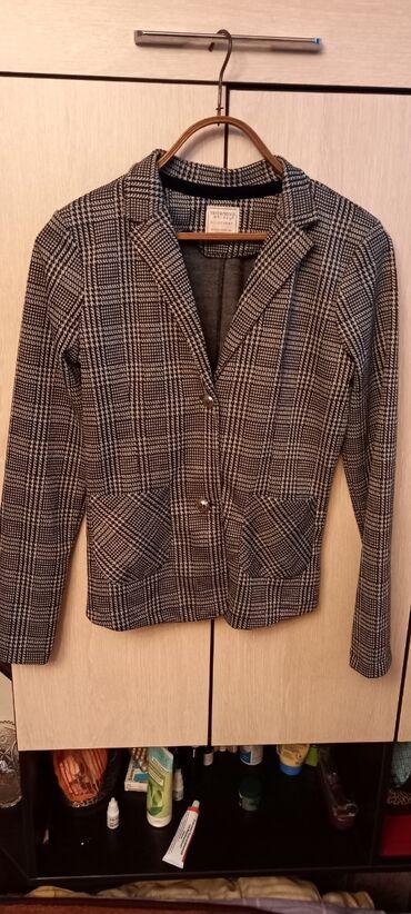Пиджак женский подростковый размер s не ношеный teranova