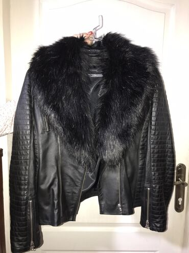 Poslovno elegantni komlet - Srbija: Kozna jakna sa prirodnim krznom. Moguce skinuti krzno. Jakna jednom