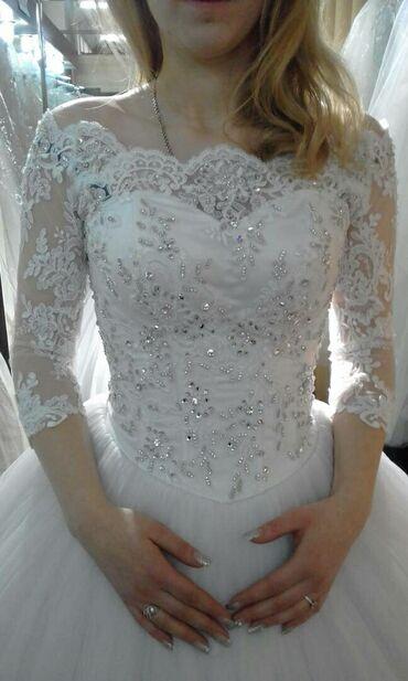 Платье без х/чистки, в идеальном состоянии, покупала новое