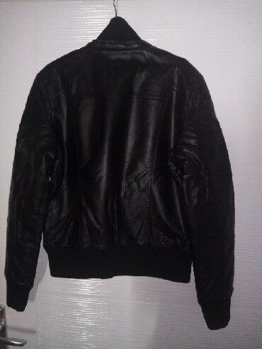Kozna jakna, obucena svega 2 puta. Postavljena i jako topla