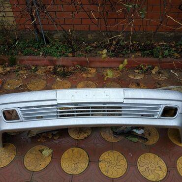 Продаю передний бампер на Мерседесе w210 лупарик в хорошем состоянии с