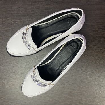 shoes в Кыргызстан: Продаются абсолютно новые качественные лоферы. производство аsos,разме