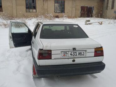 volkswagen beetle a5 в Кыргызстан: Volkswagen Jetta 1.8 л. 1988