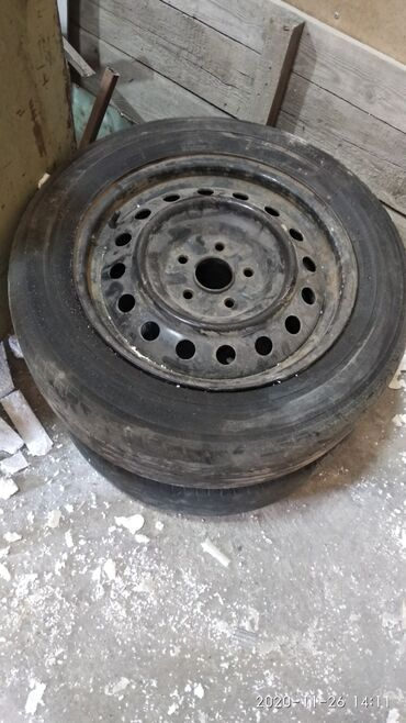 купить диски на ниву r16 бу в Кыргызстан: 4 шт. Резина летняя на железках с Ипсума r16