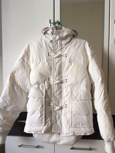 Sorbimo bela perjana jakna velicina L. Na kragni je pravo krzno koje - Beograd