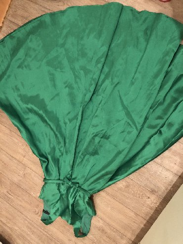 зеленые шузы в Кыргызстан: Зеленое платье в пол