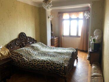 - Azərbaycan: Mənzil satılır: 2 otaqlı, 70 kv. m