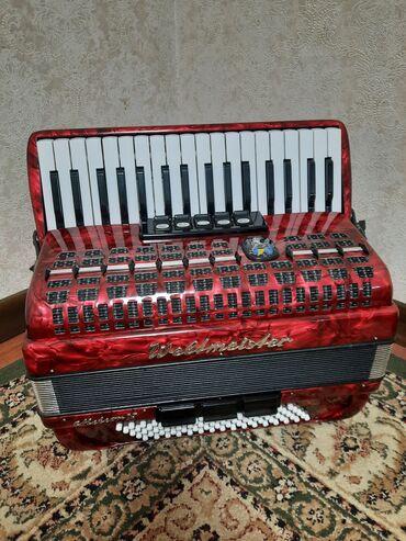 Продаю аккордеон Вельтмейстер метеор N в отличном состоянии без фальши