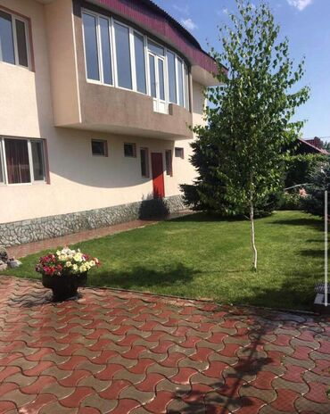 бревенчатые дома в Кыргызстан: Продам Дом 250 кв. м, 6 комнат