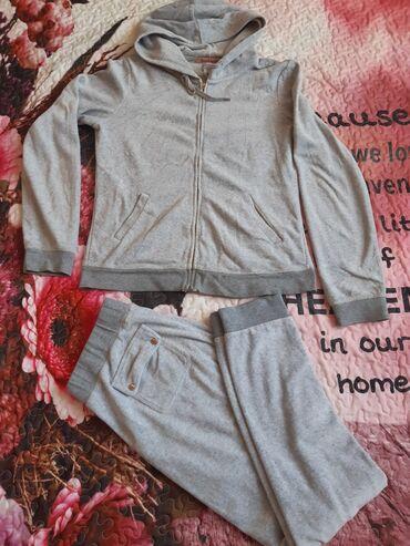 Женская одежда - Кок-Джар: Спортивный костюм фирменный покупала за 3200 отдам за 2000