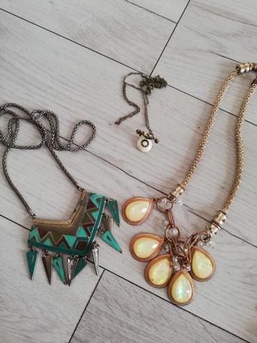 Ogrlice, sve za 650 din - Sjenica