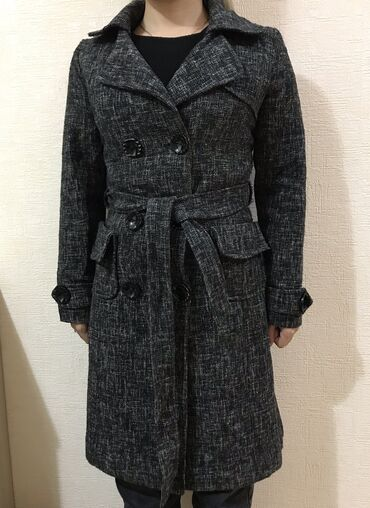 Пальто драповое  Размер XS-S Утеплённое  Состояние отличное