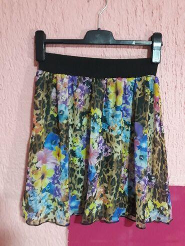 Suknje - Srbija: Prelepa suknja ima i postavu. L velicine