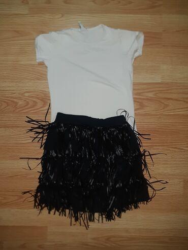 Bela majca i crna suknjica sa resamaMajca velicina 10-nosena 1