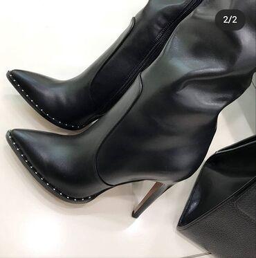 Женская обувь - Кыргызстан: Новые сапоги одевала 2 раза в отличном состоянии. Брала за 15 000