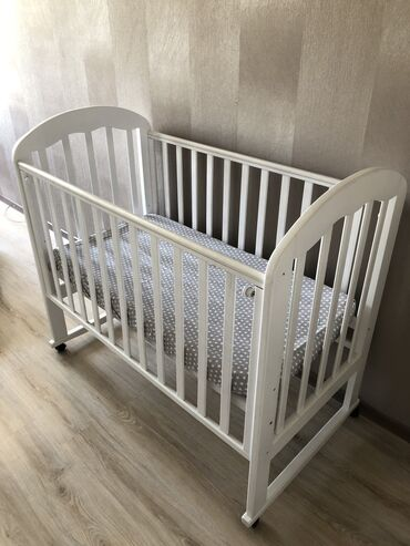 Продам детскую кроватку с матрасом. Практически новая не пользовались