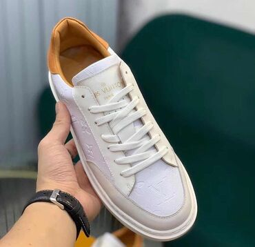5535 объявлений: Продаю новую обувь LV 42 размера42 размер3А качествоLV ParisНе подошёл