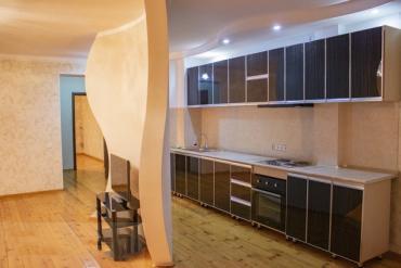 Сдается квартира: 4 комнаты, 83 кв. м., Душанбе в Душанбе