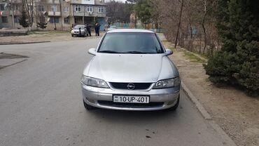 Opel Vectra 1.8 l. 1998   320000 km