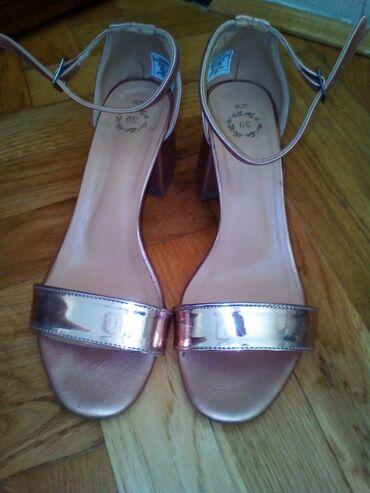 Zenske sandale, broj 39, u odlicnom stanju, stabilna peta, samo 500