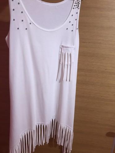 Lepa bela majica sa biserima i resama univerzalna cena 800 dinara, - Novi Sad