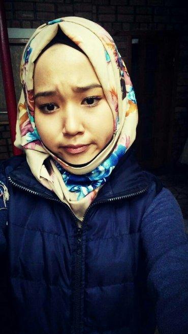 ищу работу  в хиджабе   учусь, после 16:00 могу работать, свободна вла в Бишкек